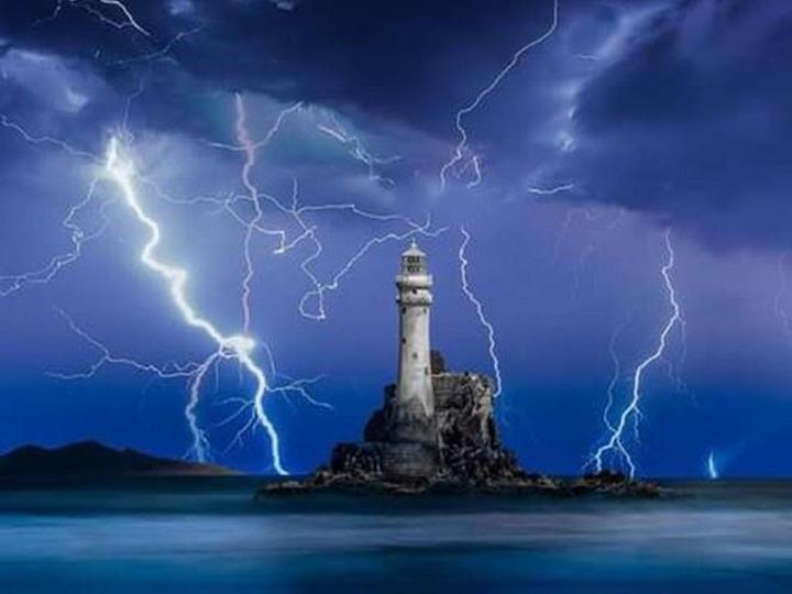 Lighthouse Lightning
